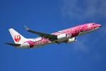 ばっきーさんが、那覇空港で撮影した日本トランスオーシャン航空 737-8Q3の航空フォト(写真)
