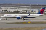 Scotchさんが、関西国際空港で撮影したデルタ航空 757-251の航空フォト(写真)