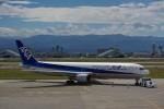 chappyさんが、小松空港で撮影した全日空 767-381の航空フォト(写真)