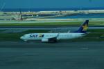 FRTさんが、那覇空港で撮影したスカイマーク 737-8ALの航空フォト(飛行機 写真・画像)