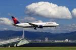 T.Sazenさんが、関西国際空港で撮影したデルタ航空 767-332/ERの航空フォト(写真)