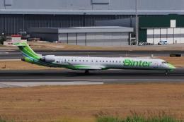 ぼんやりしまちゃんさんが、リスボン・ウンベルト・デルガード空港で撮影したビンター・カナリア CL-600-2E25 Regional Jet CRJ-1000の航空フォト(飛行機 写真・画像)
