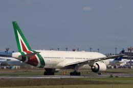 多楽さんが、成田国際空港で撮影したアリタリア航空 777-2Q8/ERの航空フォト(写真)