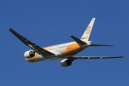 多楽さんが、成田国際空港で撮影したノックスクート 777-212/ERの航空フォト(写真)