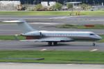 SFJ_capさんが、成田国際空港で撮影したビスタジェット BD-700-1A10 Global 6000の航空フォト(写真)