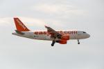 xingyeさんが、ロンドン・ガトウィック空港で撮影したイージージェット A319-111の航空フォト(飛行機 写真・画像)