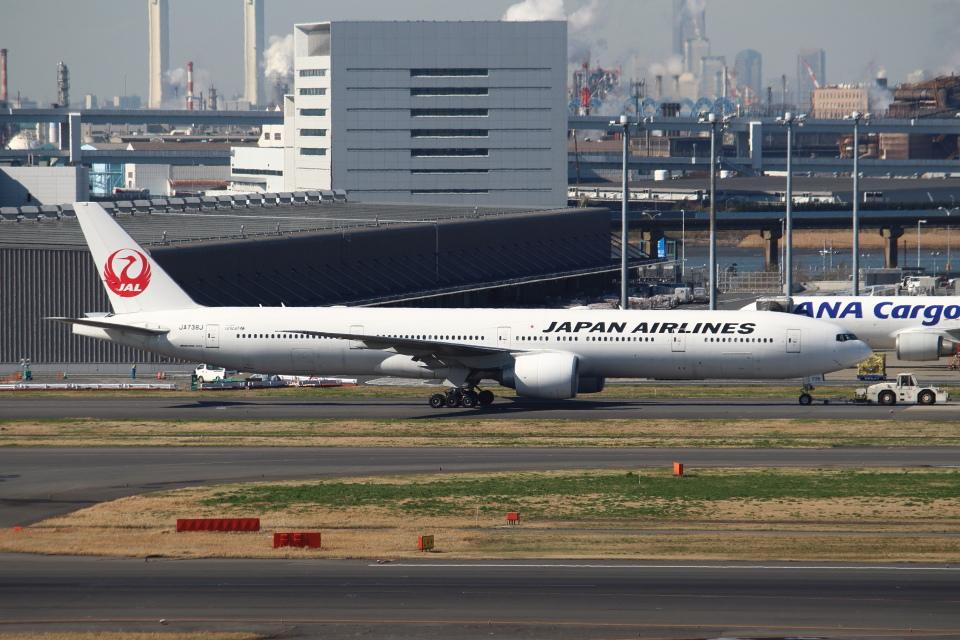 セブンさんの日本航空 Boeing 777-300 (JA738J) 航空フォト
