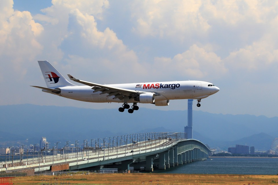 T.Sazenさんのマレーシア航空 Airbus A330-200 (9M-MUA) 航空フォト