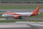 NIKEさんが、ウィーン国際空港で撮影したイージージェット・ヨーロッパ A320-214の航空フォト(写真)