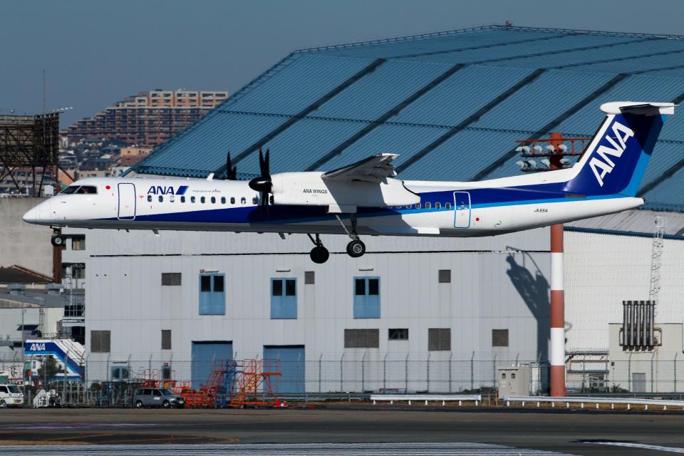 RUNWAY23.TADAさんのANAウイングス Bombardier DHC-8-400 (JA851A) 航空フォト