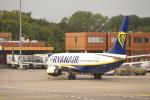 KKiSMさんが、ベルリン・テーゲル空港で撮影したライアンエア 737-800の航空フォト(写真)