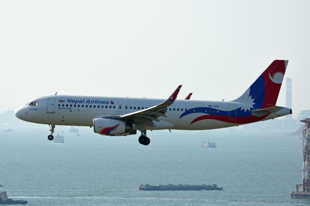 kansaigroundさんが、香港国際空港で撮影したネパール航空 A320-233の航空フォト(飛行機 写真・画像)