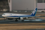 RUNWAY23.TADAさんが、羽田空港で撮影した全日空 767-381の航空フォト(写真)