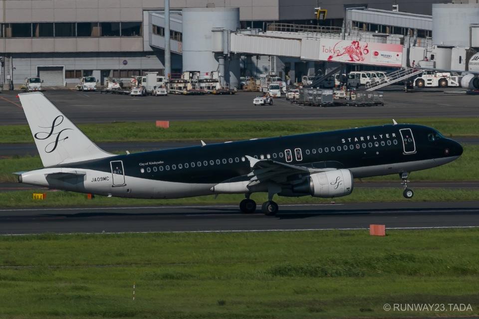 RUNWAY23.TADAさんのスターフライヤー Airbus A320 (JA09MC) 航空フォト