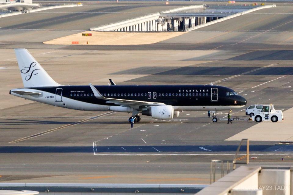 RUNWAY23.TADAさんのスターフライヤー Airbus A320 (JA23MC) 航空フォト