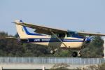 だびでさんが、調布飛行場で撮影した東京航空 172P Skyhawk IIの航空フォト(写真)