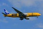 islandsさんが、羽田空港で撮影した全日空 777-281/ERの航空フォト(写真)