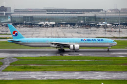 杏奈さんが、羽田空港で撮影した大韓航空 777-3B5の航空フォト(飛行機 写真・画像)