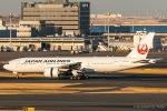 RUNWAY23.TADAさんが、羽田空港で撮影した日本航空 777-246/ERの航空フォト(飛行機 写真・画像)