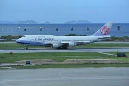 kumagorouさんが、那覇空港で撮影したチャイナエアライン 747-409の航空フォト(飛行機 写真・画像)