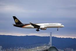 T.Sazenさんが、関西国際空港で撮影したUPS航空 757-24APFの航空フォト(飛行機 写真・画像)