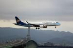 T.Sazenさんが、関西国際空港で撮影したマンダリン航空 ERJ-190-100 IGW (ERJ-190AR)の航空フォト(飛行機 写真・画像)