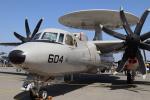 Fly Yokotayaさんが、厚木飛行場で撮影したアメリカ海軍 E-2D Advanced Hawkeyeの航空フォト(写真)
