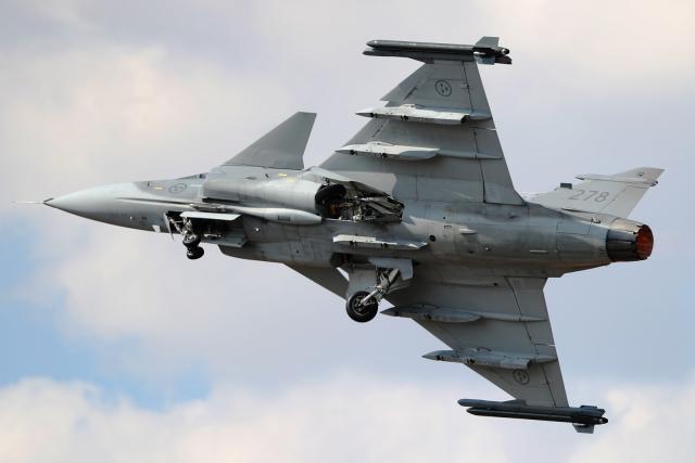 AkiChup0nさんが、フェアフォード空軍基地で撮影したスウェーデン空軍 JAS39Cの航空フォト(飛行機 写真・画像)
