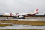 北の熊さんが、新千歳空港で撮影した中国国際航空 A330-243の航空フォト(飛行機 写真・画像)