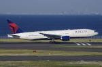 Somaさんが、羽田空港で撮影したデルタ航空 777-232/ERの航空フォト(写真)