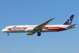 安芸あすかさんが、成田国際空港で撮影したLOTポーランド航空 787-9の航空フォト(写真)