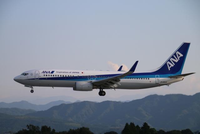 myoumyoさんが、熊本空港で撮影した全日空 737-881の航空フォト(飛行機 写真・画像)
