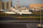 よんすけさんが、羽田空港で撮影したキャセイパシフィック航空 777-367/ERの航空フォト(写真)