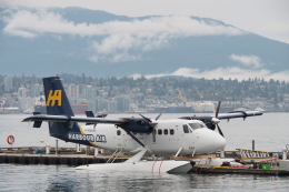 とおまわりさんが、バンクーバー・ハーバー・ウォーター空港で撮影したウェスト・コースト・エア DHC-6-100 Twin Otterの航空フォト(飛行機 写真・画像)