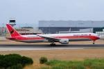 ぼんやりしまちゃんさんが、リスボン・ウンベルト・デルガード空港で撮影したTAAGアンゴラ航空 777-3M2/ERの航空フォト(写真)