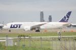 知希(仮)さんが、成田国際空港で撮影したLOTポーランド航空 787-8 Dreamlinerの航空フォト(写真)