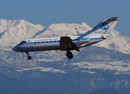ITM58さんが、富山空港で撮影したウラジオストク航空 Yak-40の航空フォト(飛行機 写真・画像)
