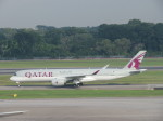 くろぼしさんが、シンガポール・チャンギ国際空港で撮影したカタール航空 A350-941XWBの航空フォト(飛行機 写真・画像)