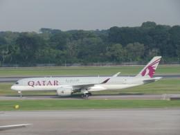くろぼしさんが、シンガポール・チャンギ国際空港で撮影したカタール航空 A350-941XWBの航空フォト(写真)