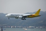 garrettさんが、香港国際空港で撮影したサザン・エア 777-FZBの航空フォト(写真)
