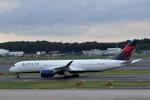 わいどあさんが、成田国際空港で撮影したデルタ航空 A350-941XWBの航空フォト(写真)