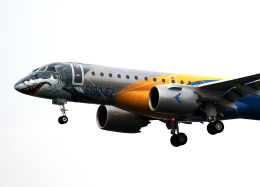 voyagerさんが、羽田空港で撮影したエンブラエル ERJ-190-300 STD (E190-E2)の航空フォト(写真)