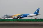 スポット110さんが、羽田空港で撮影したエンブラエル ERJ-190-300 STD (E190-E2)の航空フォト(写真)