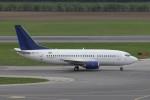 BTYUTAさんが、ウィーン国際空港で撮影したタロン アビア 737-505の航空フォト(写真)
