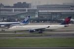 飛行機ゆうちゃんさんが、羽田空港で撮影したデルタ航空 A330-302の航空フォト(写真)