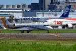 南国の防人さんが、成田国際空港で撮影したアメリカ個人所有 CL-600-2B19 Challenger 800の航空フォト(写真)