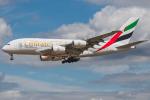 Tomo-Papaさんが、ロンドン・ヒースロー空港で撮影したエミレーツ航空 A380-861の航空フォト(写真)