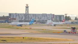 誘喜さんが、ロンドン・ヒースロー空港で撮影したコバルト・エア A320-232の航空フォト(飛行機 写真・画像)