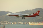 garrettさんが、香港国際空港で撮影した上海航空 A330-343Xの航空フォト(写真)
