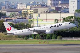 yabyanさんが、伊丹空港で撮影したジェイエア ERJ-190-100(ERJ-190STD)の航空フォト(飛行機 写真・画像)
